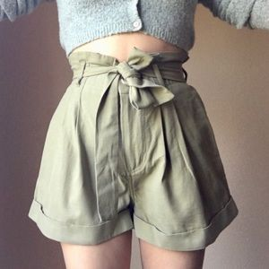 NWT High waisted paperbag Cotton shorts S/M